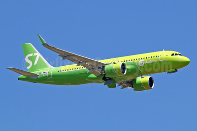 First flight of the first A320neo for S7 Airlines in the new livery, delivered on  July 4, 2017