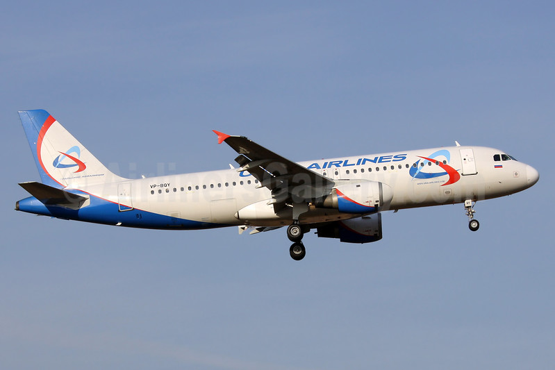 Ural Airlines Airbus A320-214 VP-BQY (msn 140) DME (Wim Callaert). Image: 937176.