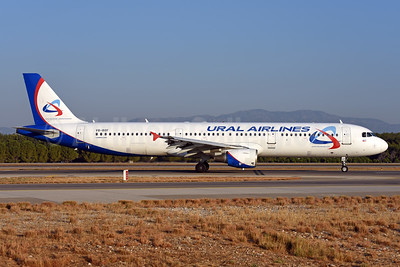 Ural Airlines Airbus A321-211 VQ-BOF (msn 775) AYT (Ton Jochems). Image: 939723.