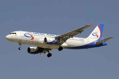 Ural Airlines Airbus A320-214 VQ-BDM (msn 2187) DXB (Paul Denton). Image: 909073.