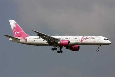 VIM Airlines (VIM Avia) Boeing 757-230 RA-73018 (msn 26435) AYT (Andi Hiltl). Image: 922627.