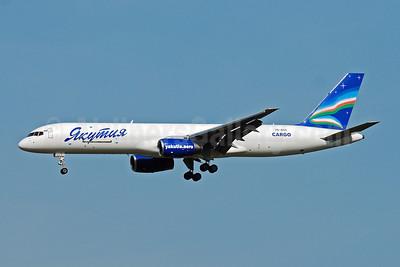Yakutia Airlines Cargo (Yakutia Aircompany) Boeing 757-23APF VQ-BOX (msn 24868) VKO (OSDU). Image: 906950.