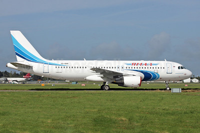 Yamal Airlines Airbus A320-214 VQ-BNR (msn 1054) SNN (Malcolm Nason). Image: 907077.