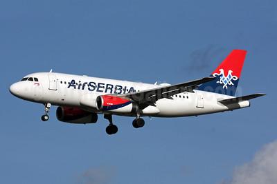 Air Serbia Airbus A319-132 YU-API (msn 1140) LHR (SPA). Image: 931395.