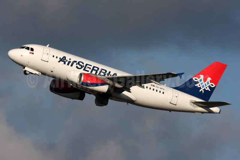 Air Serbia Airbus A319-132 YU-APA (msn 2277) LHR (SPA). Image: 931125.