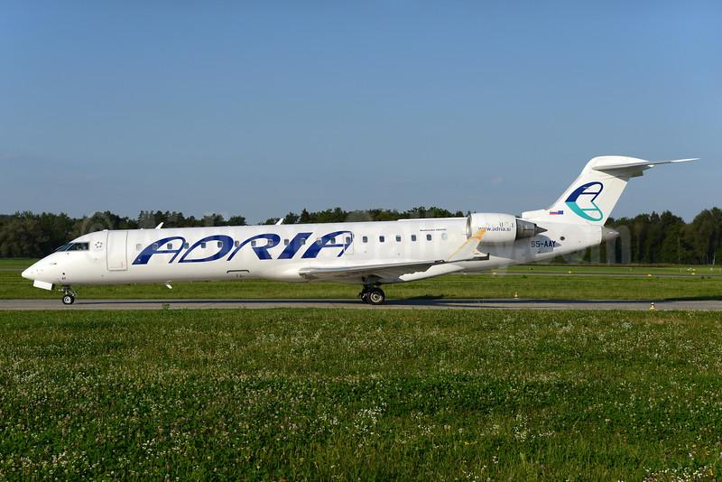 Adria Airways Bombardier CRJ700 (CL-600-2C10) S5-AAY (msn 10080) ZRH (Rolf Wallner). Image: 934568.