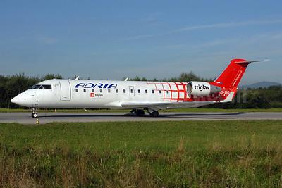 Adria Airways Bombardier CRJ200 (CL-600-2B19) S5-AAD (msn 7166) (Triglav) ZRH (Rolf Wallner). Image: 901237.