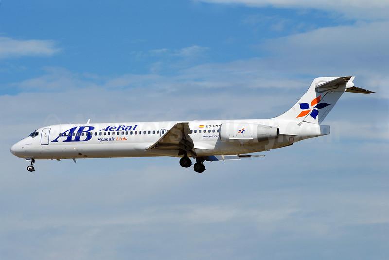 AeBal (Aerolineas de Baleares)-Spanair Link Boeing 717-2CM EC-HNY (msn 55059) BCN (Richard Vandervord). Image: 900804.