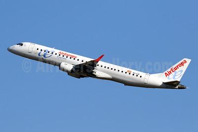 Air Europa Express (2nd) Embraer ERJ 190-200LR (ERJ 195) EC-LIN (msn 19000401) PMI (Javier Rodriguez). Image: 951051.