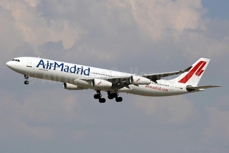 Air Madrid Airbus A340-312 EC-JIS (msn 007) MAD (Ariel Shocron). Image: 913644.