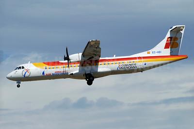 Air Nostrum-Iberia Regional ATR 72-212A (ATR 72-500) EC-HEI (msn 570) BCN (Richard Vandervord). Image: 900811.