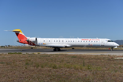 Air Nostrum-Iberia Regional Bombardier CRJ900 (CL-600-2D24) EC-JZT (msn 15113) PMI (Ton Jochems). Image: 934197.