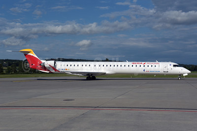 Air Nostrum-Iberia Regional Bombardier CRJ1000 (CL-600-2E25) EC-MLN (msn 19049) ZRH (Rolf Wallner). Image: 947292.