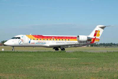 Air Nostrum-Iberia Regional Bombardier CRJ200 (CL-600-2B19) EC-HTZ (msn 7493) (Comunitat Valenciana - America's Cup) BLQ (Marco Finelli). Image: 901303.