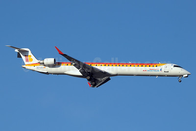 Air Nostrum-Iberia Regional Bombardier CRJ1000 (CL-600-2E25) EC-LOJ (msn 19018) MAD (Paul Denton). Image: 936715.
