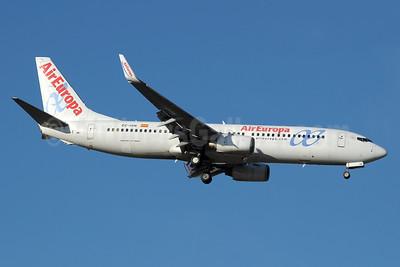 AirEuropa Boeing 737-86Q WL EC-ISN (msn 30291) MAD (Paul Denton). Image: 938706.