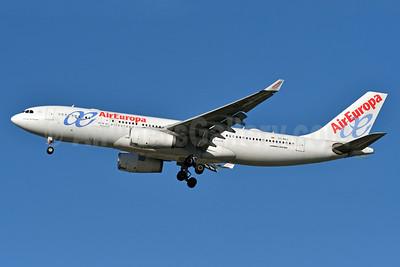AirEuropa Airbus A330-243 EC-MAJ (msn 992) JFK (Fred Freketic). Image: 938707.
