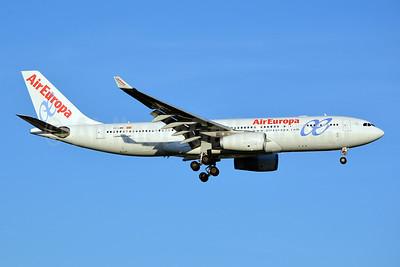 AirEuropa Airbus A330-243 EC-LMN (msn 597) JFK (Jay Selman). Image: 402375.