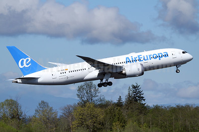 Air Europa Boeing 787-8 Dreamliner EC-MOM (msn 36419) PAE (Nick Dean). Image: 937618.