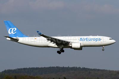 Air Europa Airbus A330-202 EC-JQG (msn 745) ZRH (Andi Hiltl). Image: 937586.
