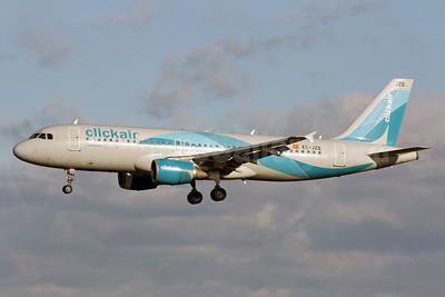 Clickair Airbus A320-214 EC-JZQ (msn 992) LHR (Antony J. Best). Image: 903136.