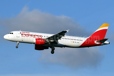 Iberia Express Airbus A320-214 EC-JFH (msn 2104) LHR (SPA). Image: 940948.