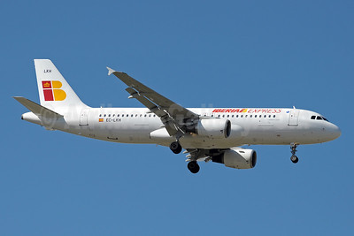 Iberia Express Airbus A320-214 EC-LKH (msn 1101) MAD (Paul Denton). Image: 912305.