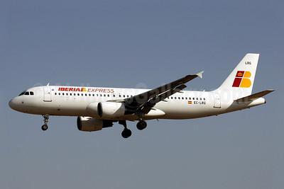 Iberia Express Airbus A320-214 EC-LRG (msn 1516) PMI (Javier Rodriguez). Image: 912306.