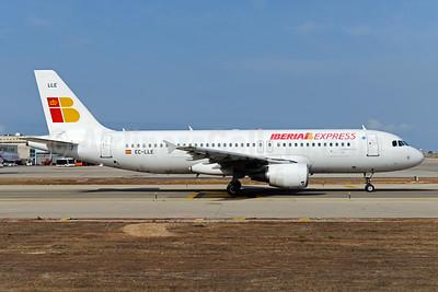 Iberia Express Airbus A320-214 EC-LLE (msn 1119) PMI (Ton Jochems). Image: 923568.
