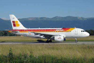 Iberia Airbus A319-111 EC-JVE (msn 2843) GVA (Paul Denton). Image: 909740.