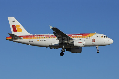 Iberia Airbus A319-111 EC-JAZ (msn 2264) (Orgullosos de Nuestra Seleccion-Proud of our Selection-Euro 2012) LIS (Pedro Baptista). Image: 908875.