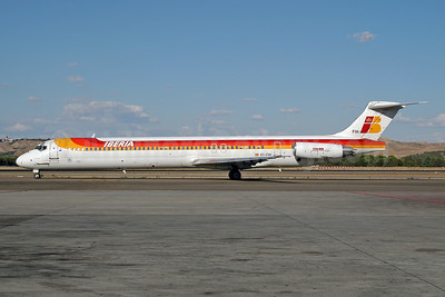 Iberia McDonnell Douglas MD-88 EC-FIH (msn 53196) MAD (Ton Jochems). Image: 953369.