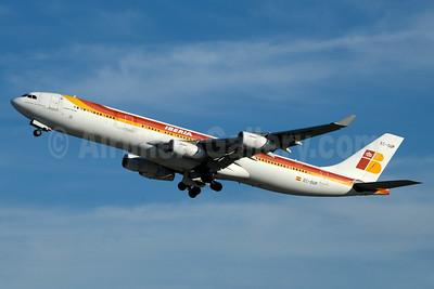 Iberia Airbus A340-313 EC-GUP (msn 217) JFK (Jay Selman). Image: 403133.