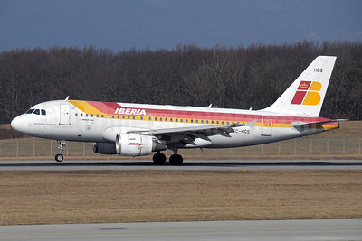 Iberia Airbus A319-111 EC-HGS (msn 1180) GVA (Paul Denton). Image: 913335.