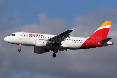 Iberia Airbus A319-111 EC-JXJ (msn 2889) LHR (SPA). Image: 940987.