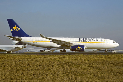 Iberworld Airlines Airbus A330-243 EC-IDB (msn 461) CDG (Christian Volpati). Image: 950304.