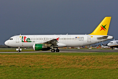 Lte.es Airbus A320-211 EC-KFM (msn 88) (20 Years) DUB (SM Fitzwilliams Collection). Image: 948146.
