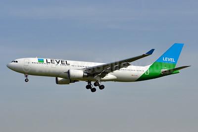 Level (Iberia) Airbus A330-202 EC-MOY (msn 1784) BCN (Tony Storck). Image: 941917.