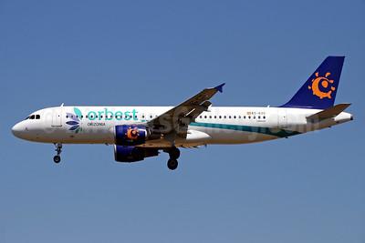 Orbest Orizonia Airlines (Spain) Airbus A320-214 EC-KZG (msn 3868) (Iberworld colors) PMI (Javier Rodriguez). Image: 927223.