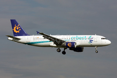 Orbest Orizonia Airlines (Spain) Airbus A320-214 EC-LAJ (msn 3889) (Iberworld colors) (Jacques Guillem Collection). Image: 927224.