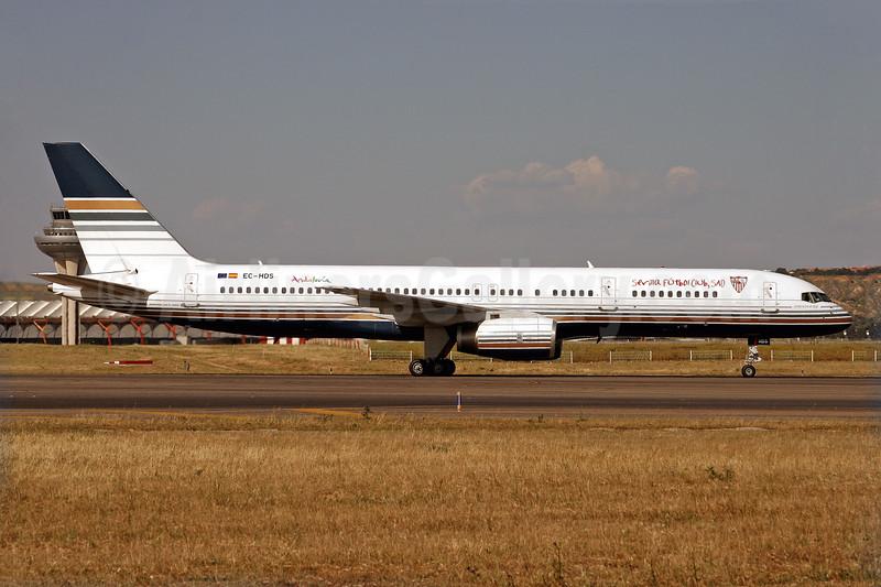 Privilege Style Lineas Aereas Boeing 757-256 EC-HDS (msn 26252) (Sevila Futbol Club, SAD) MAD (Javier Rodriguez). Image: 926335.