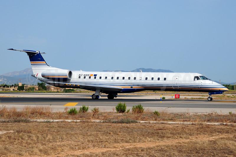 Privilege Style Lineas Aereas Embraer ERJ 145MP EC-KSS (msn 145230) PMI (Ton Jochems). Image: 920645.