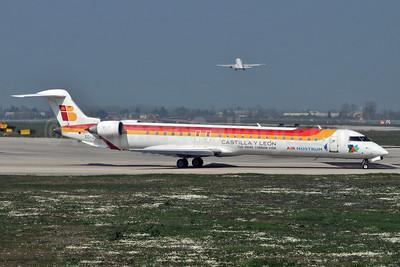 Scandinavian Airlines - Air Nostrum Bombardier CRJ900 (CL-600-2D24) EC-JTS (msn 15071) (Air Nostrum colors) BLQ (Marco Finelli). Image: 932188.