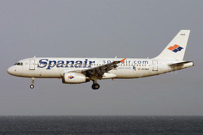 Spanair Airbus A320-232 EC-HXA (msn 1497) ACE (Terry Wade). Image: 900802.