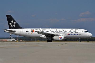 Spanair Airbus A320-232 EC-IOH (msn 1998) (Star Alliance) MXP (Richard Vandervord). Image: 903725.