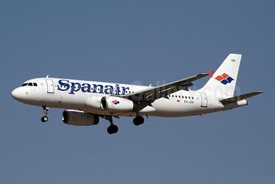 Spanair Airbus A320-232 EC-IZK (msn 2223) MAD (Ariel Shocron). Image: 901177.
