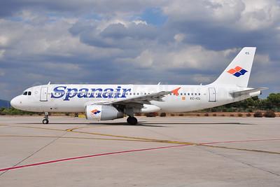 Spanair Airbus A320-232 EC-ICL (msn 1682) PMI (Ton Jochems). Image: 955387.
