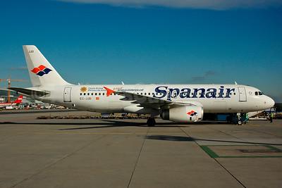 Spanair Airbus A320-232 EC-JJD (msn 2479) (Costa Brava Pirineau de Girona) FRA (Bernhard Ross). Image: 937358.