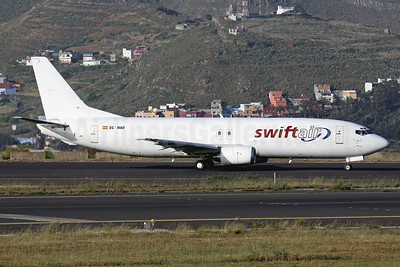 First Boeing 737-400 freighter for Swiftair of Spain