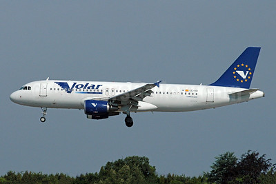 Volar Airlines (LTE) Airbus A320-214 EC-ISI (msn 2123) MAN (Rob Skinkis). Image: 932100.